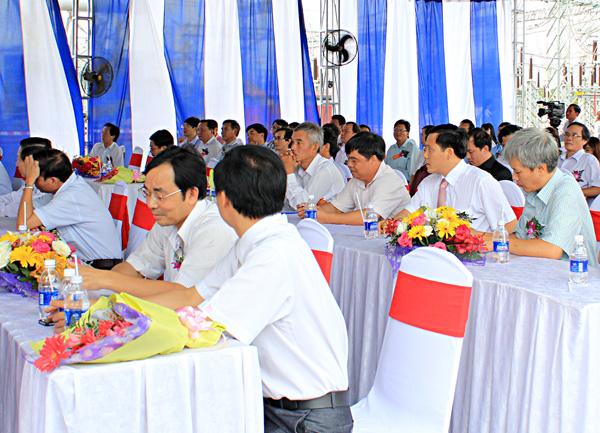 Tổ chức sự kiện Lễ phát động thi đua liên kết xây dựng công trình đường dây 220KV Đăk Nông - Phước Long - Bình Long - 21