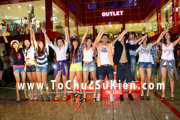 Tổ chức sự kiện Lễ khai trương cửa hàng Outlet của thương hiệu thời trang Blue - 41