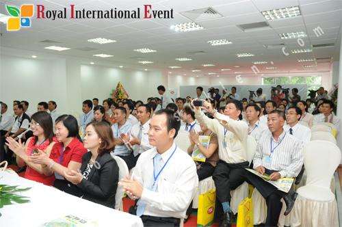 Tổ chức sự kiện Hoàng Gia - Quay phim, chụp hình sự kiện chuyên nghiệp 13