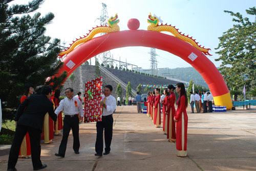Sự kiện Lễ đón nhận huân chương lao  động và kỷ niệm 15 năm vận hành Nhà máy thủy điện Thác Mơ - Tỉnh Bình  Phước 3
