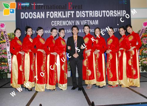 Tổ chức sự kiện Lễ giới thiệu nhà phân phối sản phẩm xe nâng DOOSAN tại Việt Nam 43