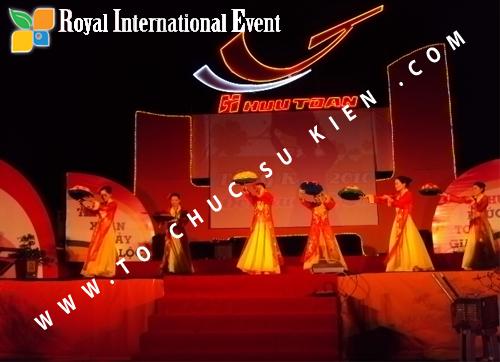 Tổ chức sự kiện Lễ  Tổng Kết năm 2010 và chào đón năm mới 2011 của công ty Cổ Phần Hữu Toàn  02
