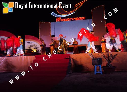 Tổ chức sự kiện Lễ  Tổng Kết năm 2010 và chào đón năm mới 2011 của công ty Cổ Phần Hữu Toàn  03
