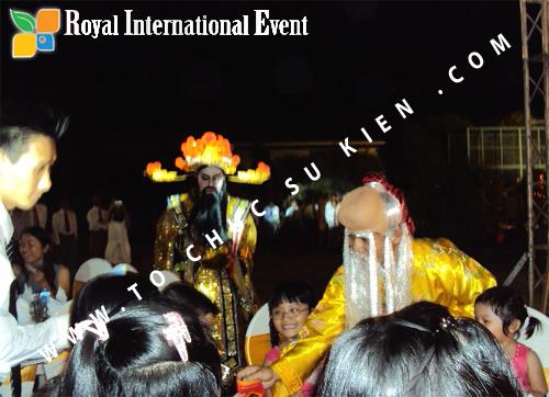 Tổ chức sự kiện Lễ  Tổng Kết năm 2010 và chào đón năm mới 2011 của công ty Cổ Phần Hữu Toàn  06