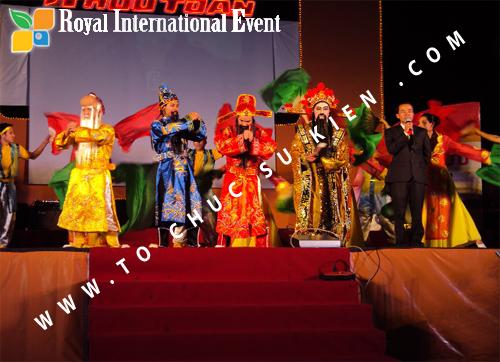Tổ chức sự kiện Lễ  Tổng Kết năm 2010 và chào đón năm mới 2011 của công ty Cổ Phần Hữu Toàn  08