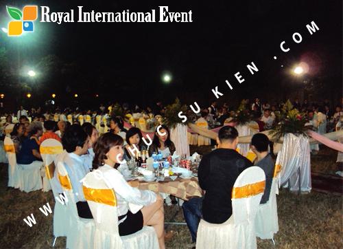 Tổ chức sự kiện Lễ  Tổng Kết năm 2010 và chào đón năm mới 2011 của công ty Cổ Phần Hữu Toàn  09