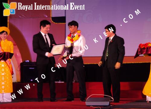 Tổ chức sự kiện Lễ  Tổng Kết năm 2010 và chào đón năm mới 2011 của công ty Cổ Phần Hữu Toàn 14