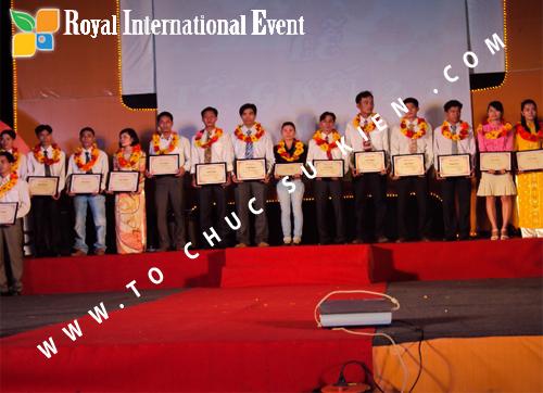 Tổ chức sự kiện Lễ  Tổng Kết năm 2010 và chào đón năm mới 2011 của công ty Cổ Phần Hữu Toàn 17