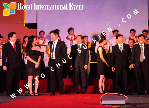 Tổ chức sự kiện Lễ  Tổng Kết năm 2010 và chào đón năm mới 2011 của công ty Cổ Phần Hữu Toàn 19