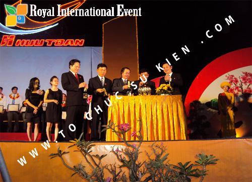 Tổ chức sự kiện Lễ  Tổng Kết năm 2010 và chào đón năm mới 2011 của công ty Cổ Phần Hữu Toàn 22
