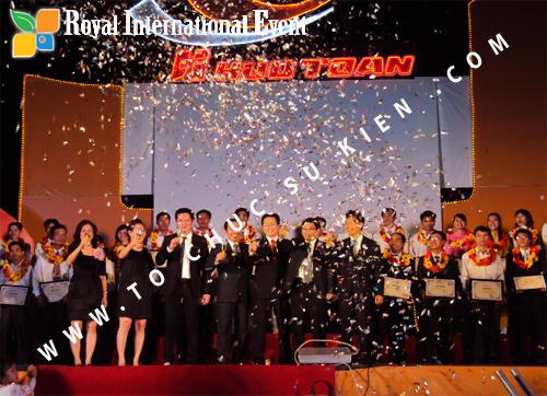 Tổ chức sự kiện Lễ  Tổng Kết năm 2010 và chào đón năm mới 2011 của công ty Cổ Phần Hữu Toàn 26