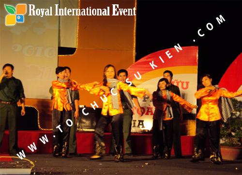 Tổ chức sự kiện Lễ  Tổng Kết năm 2010 và chào đón năm mới 2011 của công ty Cổ Phần Hữu Toàn 27