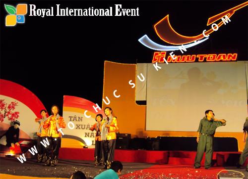Tổ chức sự kiện Lễ  Tổng Kết năm 2010 và chào đón năm mới 2011 của công ty Cổ Phần Hữu Toàn 29