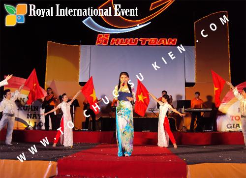 Tổ chức sự kiện Lễ  Tổng Kết năm 2010 và chào đón năm mới 2011 của công ty Cổ Phần Hữu Toàn 32