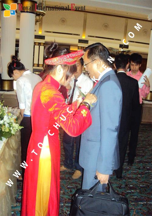 Tổ chức sự kiện Lễ công bố Tín Quang – nhà phân phối của hãng Linde Material Handling tại Việt Nam 13