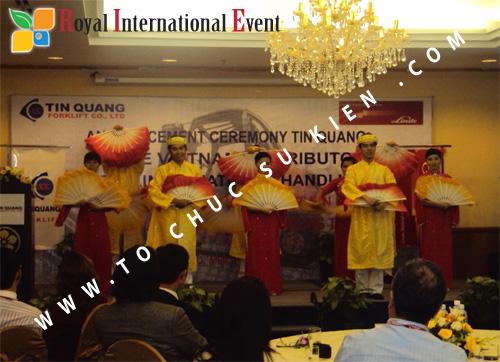 Tổ chức sự kiện Lễ công bố Tín Quang – nhà phân phối của hãng Linde Material Handling tại Việt Nam 21