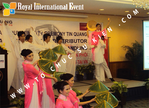 Tổ chức sự kiện Lễ công bố Tín Quang – nhà phân phối của hãng Linde Material Handling tại Việt Nam 28