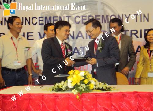 Tổ chức sự kiện Lễ công bố Tín Quang – nhà phân phối của hãng Linde Material Handling tại Việt Nam 32