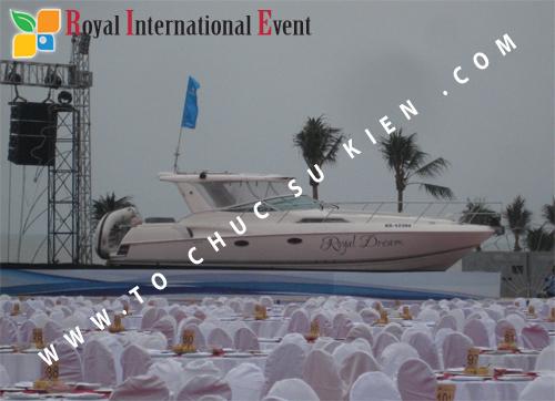 Tổ chức sự kiện Đêm tiệc Royal Dream – Giấc mơ hoàng tộc của Công ty CP Du Lịch Hoa Anh Đào và Cty CP ĐT KD Địa Ốc Hưng Thịnh 03