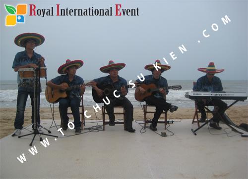 Tổ chức sự kiện Đêm tiệc Royal Dream – Giấc mơ hoàng tộc của Công ty CP Du Lịch Hoa Anh Đào và Cty CP ĐT KD Địa Ốc Hưng Thịnh 06