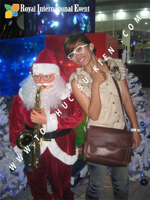 Cho thuê, Tổ chức sự kiện Đêm Giáng Sinh cho Trung tâm mua sắm HomeOne 2