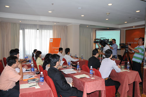 Tổ chức họp báo ra mắt dịch vụ mới cho Tập đoàn GfK Việt Nam tạikhách sạn Caravelle 12